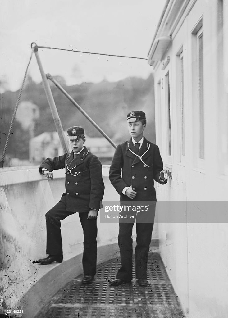 Archive Entertainment On Wire Image: Hulton Royals Collection