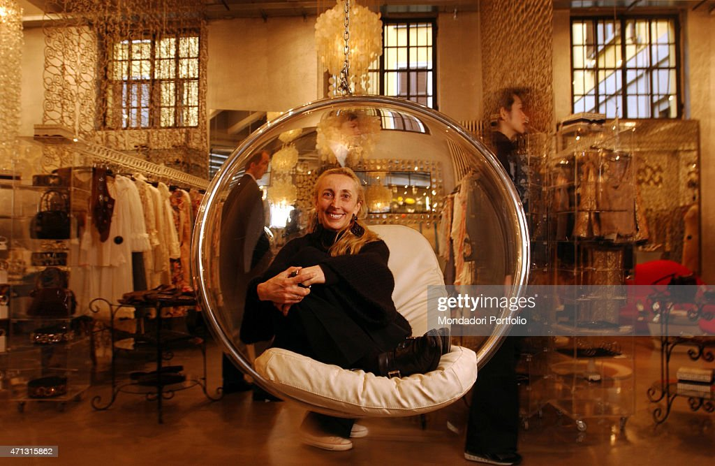 The gallery director <a gi-track='captionPersonalityLinkClicked' href=/galleries/search?phrase=Carla+Sozzani&family=editorial&specificpeople=884879 ng-click='$event.stopPropagation()'>Carla Sozzani</a> posing in a photo shooting for The New York Times in her art exhibition space on Corso Como 10. Milan, Italy. 2000s