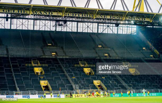 The game took place in front of an empty stand so there was no 'yellow wall' during the Bundesliga match between Borussia Dortmund and VfL Wolfsburg...