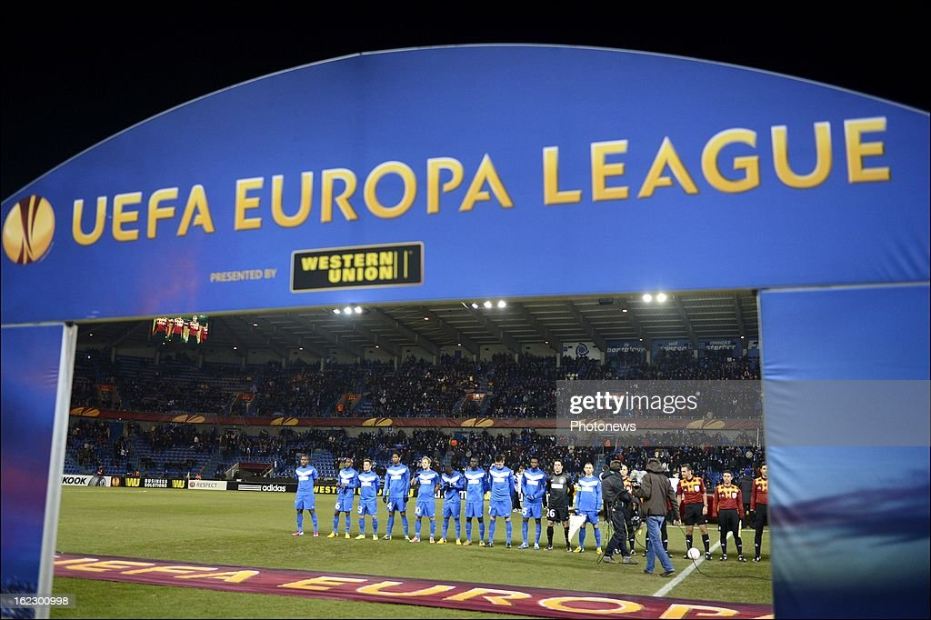 The Genk team line up before the UEFA Europa League round of 32 second leg match between Racing Genk and VfB Stuttgart in Cristal Arena on February 21, 2013 in Genk, Belgium.