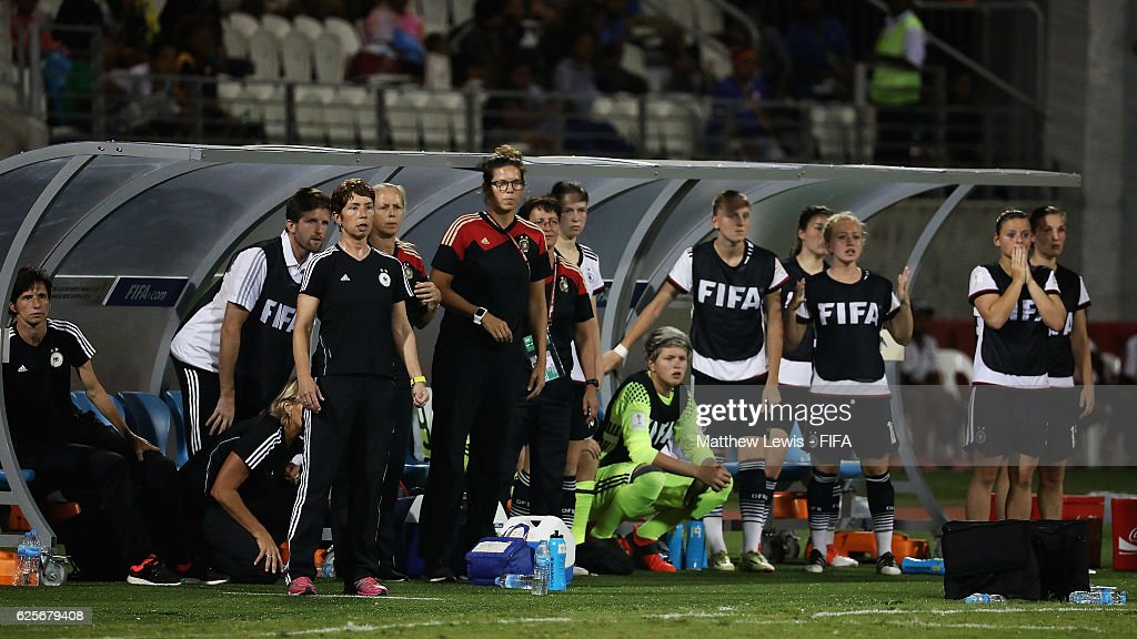 The German team look on from the bench during the FIFA U-20 Women's World Cup Papua New Guinea 2016 Quarter Final match between Germany and Fra