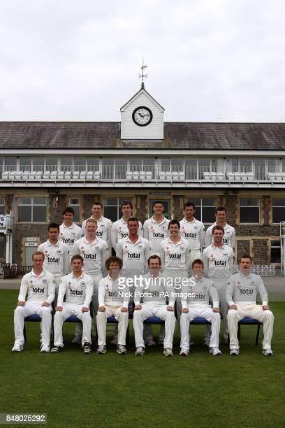The Gloucestershire County cricket club team photo in Whites Ian Saxelby Chris Dent Hamish Marshall Captain Alex Gidman Jonathan Batty Will Gidman...