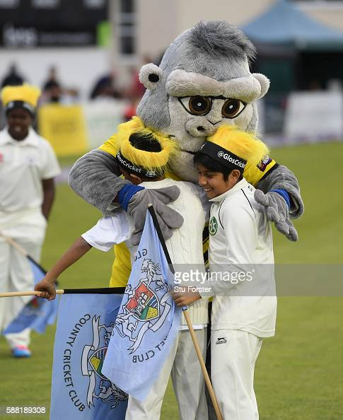 The Gloucestershire mascot greets young flag holders before the NatWest T20 Blast quarterfinal match between Gloucestershire and Durham Jets at...