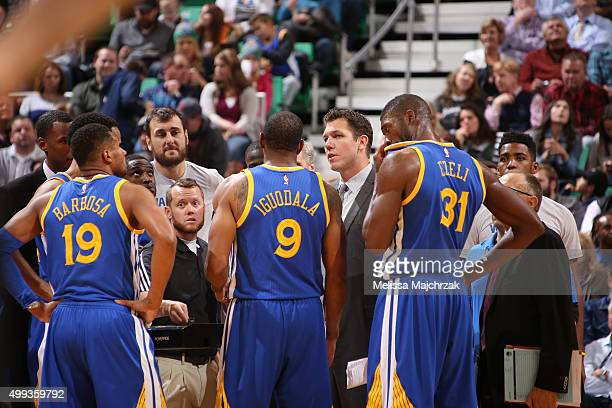 The Golden State Warriors huddle up to discuss their next play with Luke Walton of the Golden State Warriors during the game against the Utah Jazz on...