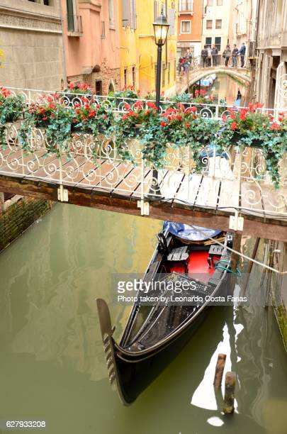 The gondola and the flowers
