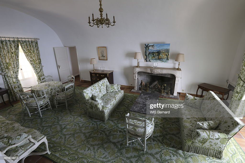 The Green Living Room Decorated By Bernadette Chirac In Fort De Bregancon On June 142014