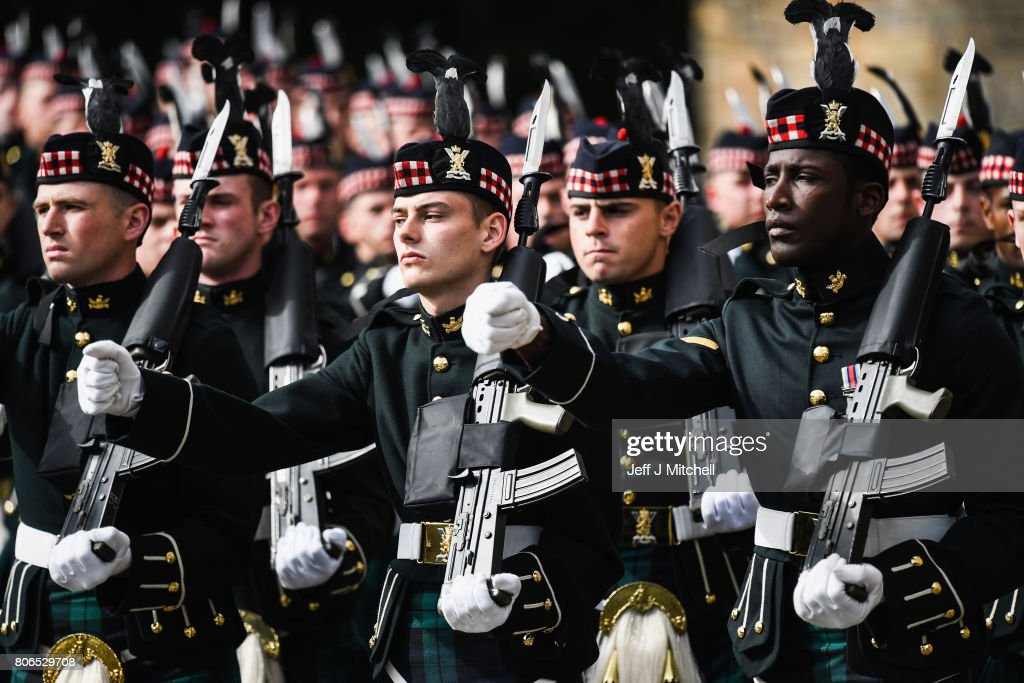 The guard of honour, Balaklava Company, The Argyll and Sutherland Highlanders, 5th Battalion The Royal Regiment of Scotland is inspected by Queen Elizabeth II during the traditional Ceremony of the Keys at Holyroodhouse on July 3, 2017 in Edinburgh, Scotland. The Queen will undertake various engagements in Edinburgh during the annual 'Holyrood week'.