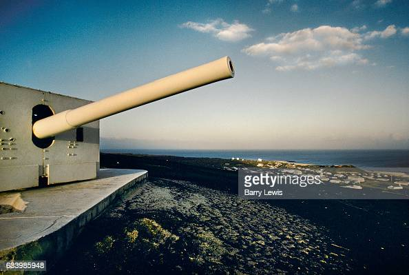 The guns from the battleship HMS Hood defend Georgetown at Fort Bedford 27th May 1997 on Ascension a small isolated volcanic island in the equatorial...