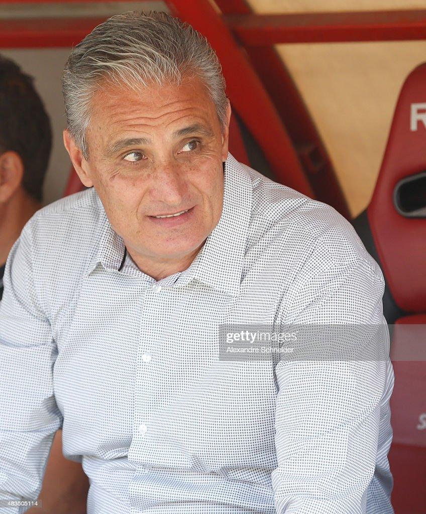 The head coach of Corinthians, <a gi-track='captionPersonalityLinkClicked' href=/galleries/search?phrase=Tite+-+Entra%C3%AEneur+de+football+br%C3%A9silien&family=editorial&specificpeople=10072994 ng-click='$event.stopPropagation()'>Tite</a> in action during the match between Sao Paulo and Corinthians for the Brazilian Series A 2015 at Morumbi stadium on August 09, 2015 in Sao Paulo, Brazil.