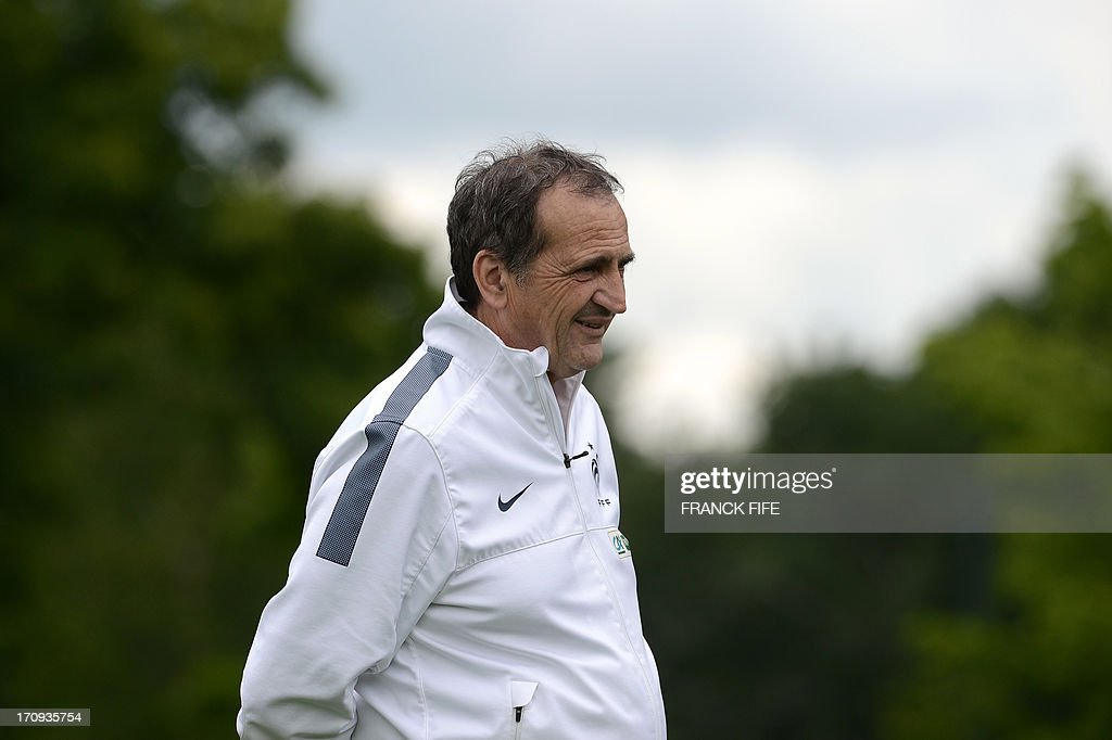 The head coach of the French women's national football team Bruno Binni attends in a training session on June 20, 2013 in Clairefontaine-en-Yvelines, outside Paris, ahead of the July 10 to 28 European Championship in Sweden. AFP PHOTO / FRANCK FIFE