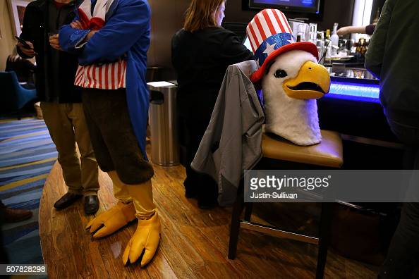 The head of an Uncle Sam eagle sits on a bar stool at the Marriott hotel bar on January 31 2016 in Des Moines Iowa The presidential selection...