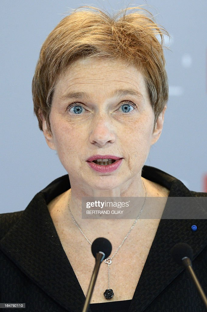 The head of France's MEDEF employers' association, Laurence Parisot, speaks during a press conference on March 28, 2013 at the Medef headquarters in Paris, after the executive board rejected her proposition to change the union's status and allow her to bring a third mandate. AFP PHOTO / BERTRAND GUAY