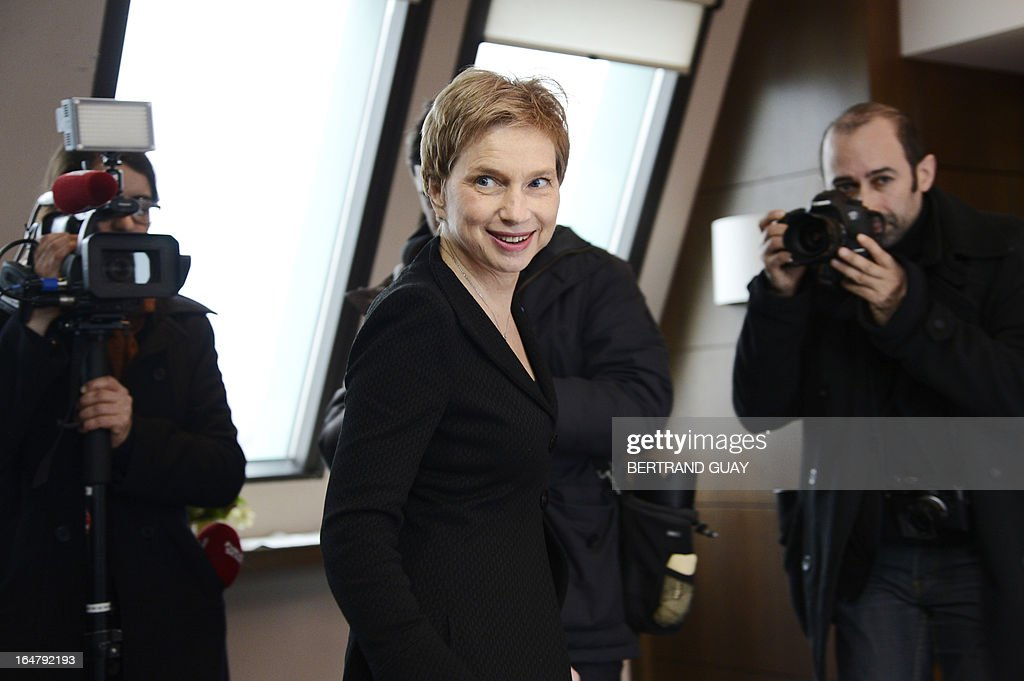 The head of France's MEDEF employers' association, Laurence Parisot, leaves a press conference on March 28, 2013 at the Medef headquarters in Paris, after the executive board rejected her proposition to change the union's status and allow her to bring a third mandate. AFP PHOTO / BERTRAND GUAY