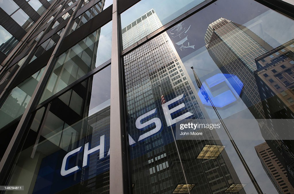 The headquarters of JPMorgan Chase bank rises over Park Avenue in midtown Manhattan on July 13, 2012 in New York City. The bank, which reported its second-quarter results on Friday, disclosed that the losses on a credit bet could mount to more than $7 billion, as the nation's largest bank indicated that traders may have intentionally tried to conceal the extent of the loss. JPMorgan also said Friday that it would be forced to restate its first-quarter results.