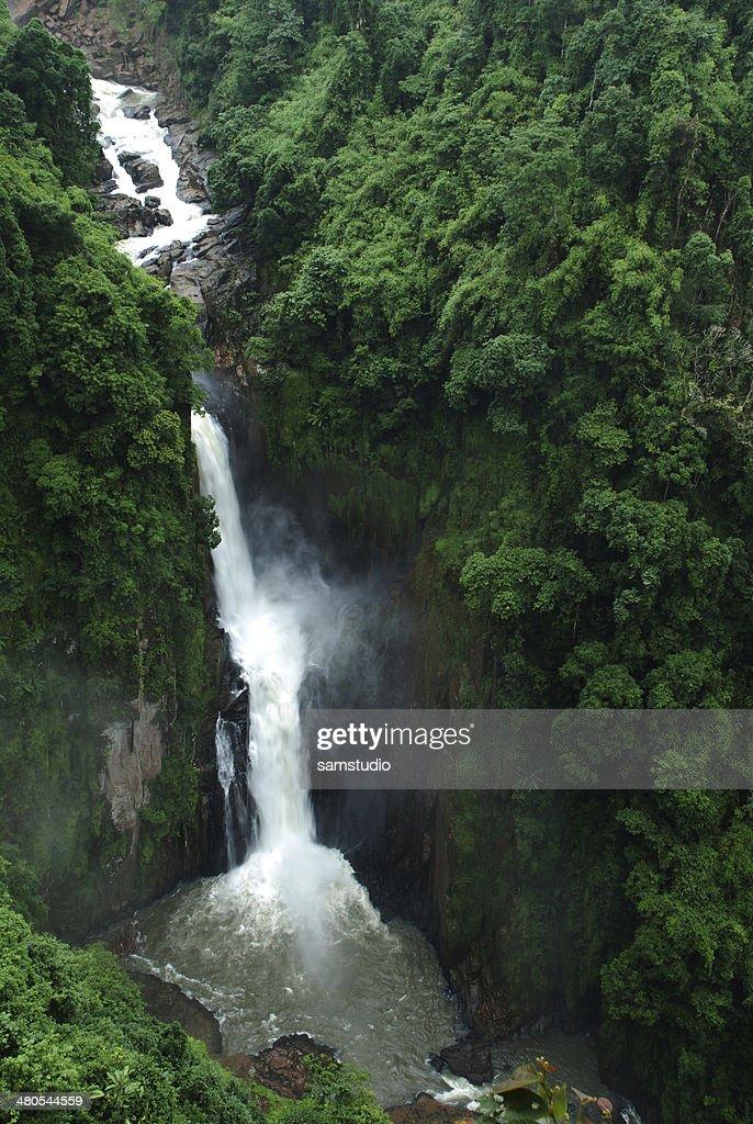 Die Heaw Narok Wasserfall, unbekannte Thailand : Stock-Foto
