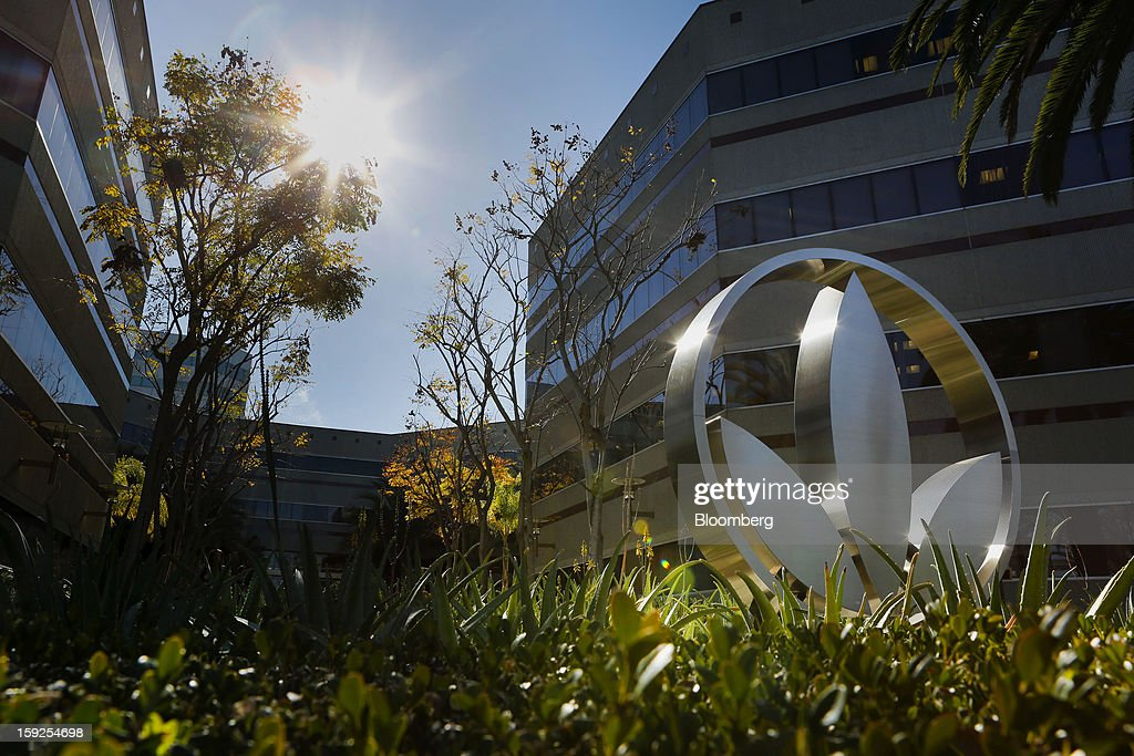 The Herbalife Ltd. logo is displayed outside of the company's corporate headquarters in Torrance, California, U.S., on Thursday, Jan. 10, 2013. Daniel Loeb is squaring off against Bill Ackman over the future of Herbalife Ltd. By taking an 8.2 percent stake in the direct seller of nutrition shakes, Loeb's Third Point LLC is the latest firm to reject hedge fund manager Ackman's theory that Herbalife is a pyramid scheme. Photographer: Patrick Fallon/Bloomberg via Getty Images