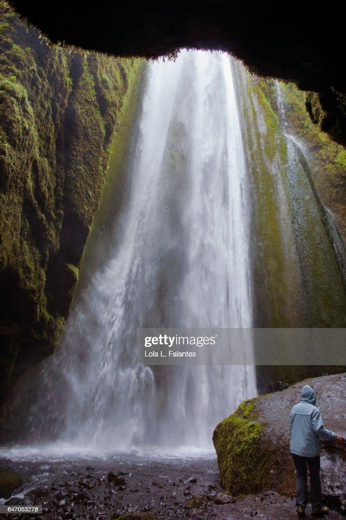 The hidden beauty of Gljúfrabúi waterfall : Foto de stock