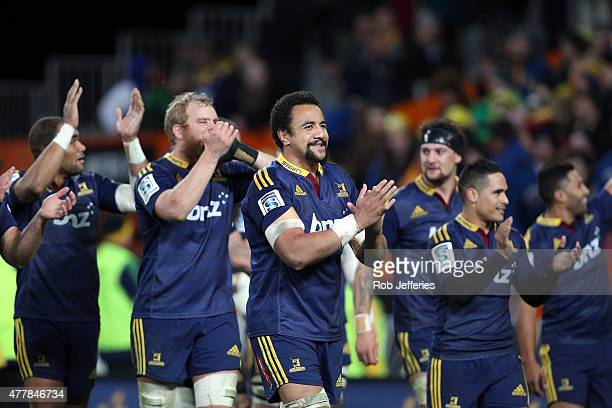 The Highlanders led by Nasi Manu show their respect to their loyal supporters after beating the Chiefs during the Super Rugby Qualifying Final match...