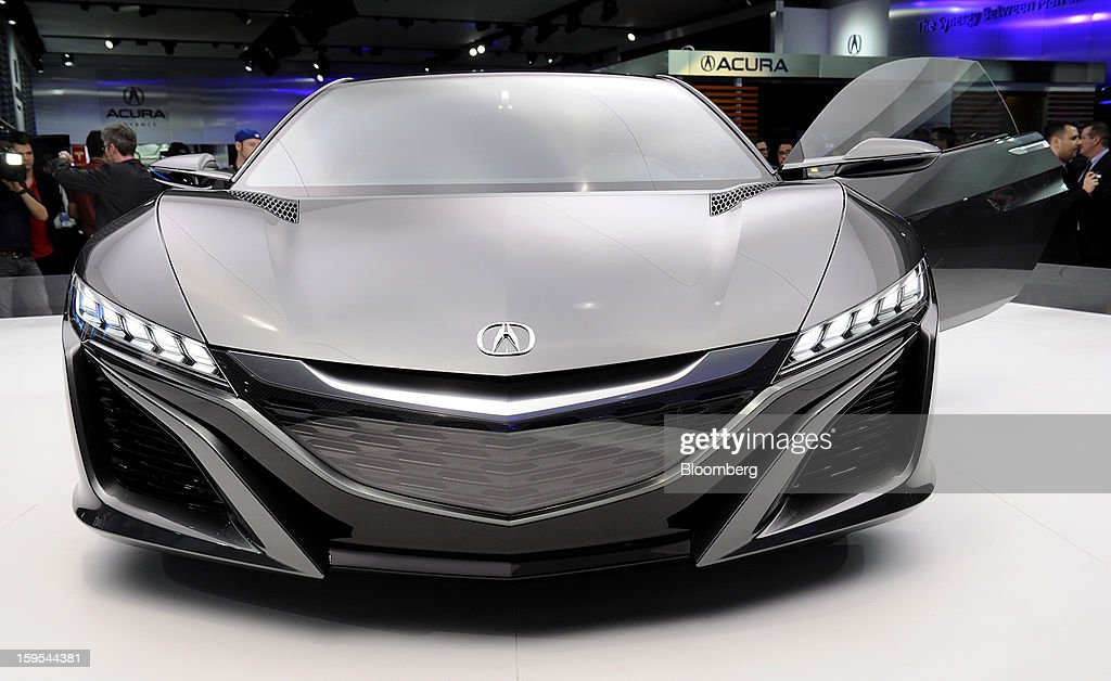 The Honda Motor Co. 2015 Acura NSX concept vehicle sits on display during the 2013 North American International Auto Show (NAIAS) in Detroit, Michigan, U.S., on Tuesday, Jan. 15, 2013. The Detroit auto show runs through Jan. 27 and will display over 500 vehicles, representing the most innovative designs in the world. Photographer: David Paul Morris/Bloomberg via Getty Images