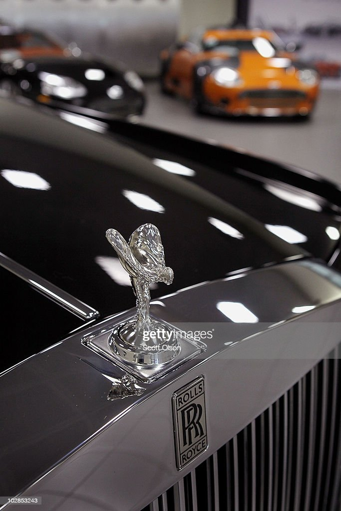 rolls royce sees record high sales despite recession. Black Bedroom Furniture Sets. Home Design Ideas
