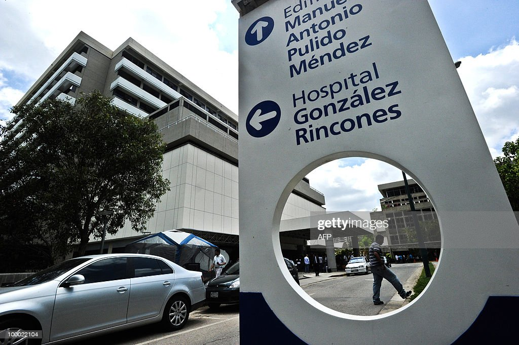 The hospital in Caracas, May 20, 2010 where Argentine musician Gustavo Cerati is under treatment. Cerati, who suffered a stroke after a concert on Saturday, continues in serious condition. AFP PHOTO / Miguel Gutierrez