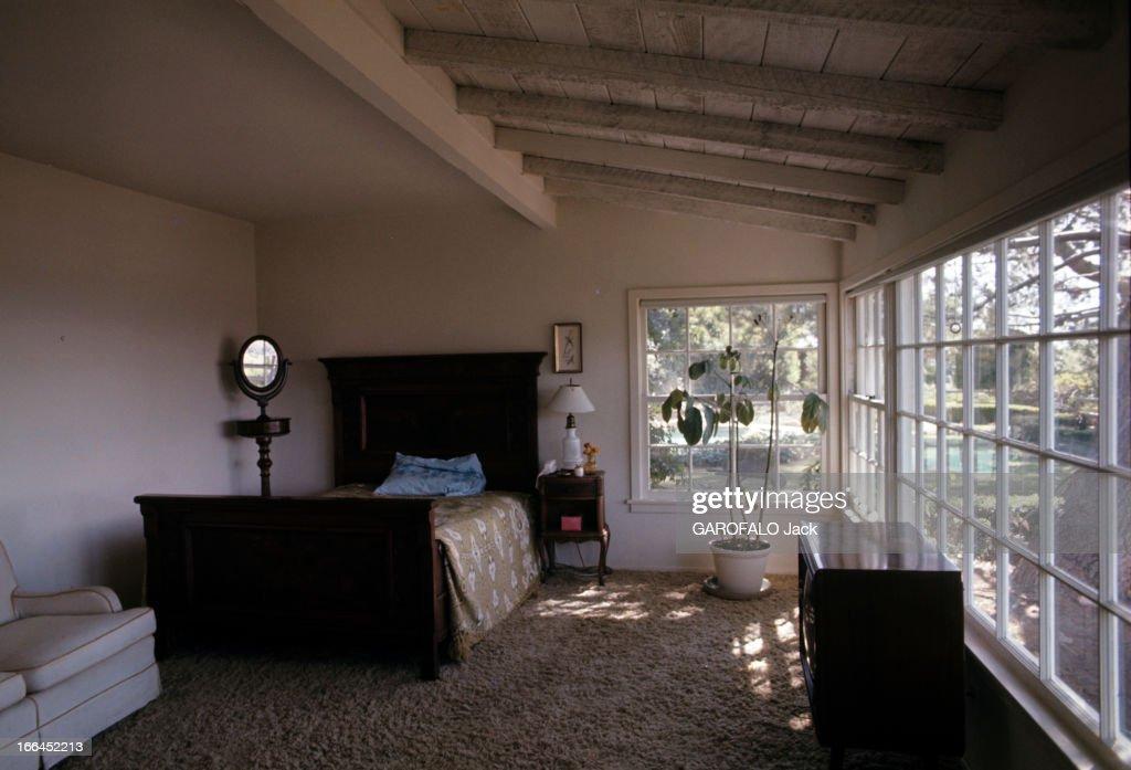 The House Of Sharon Tate. Californie, Bel Air- octobre 1969- la chambre sobrement décorée de Sharon TATE, actrice américaine, dans sa propriété.