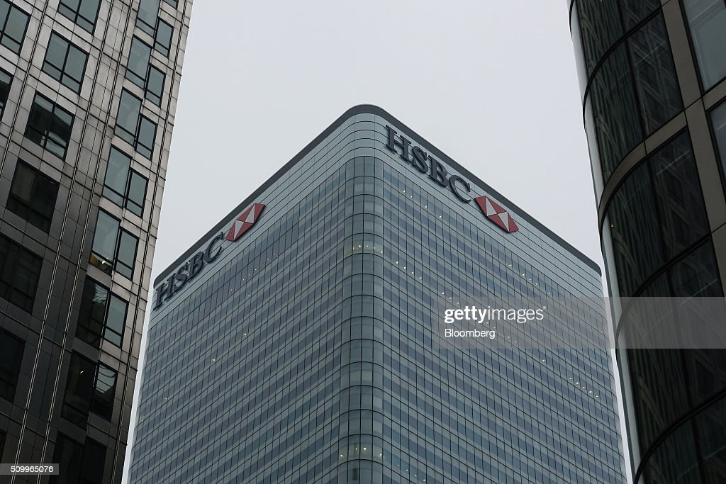 The HSBC Holdings Plc headquarters stand in the Canary Wharf business, financial and shopping district in London, U.K., on Saturday, Feb. 13, 2016. HSBC's board will meet on Sunday to decide whether to shift its headquarters from London, according to two people with knowledge of the decision. Photographer: Luke MacGregor/Bloomberg via Getty Images