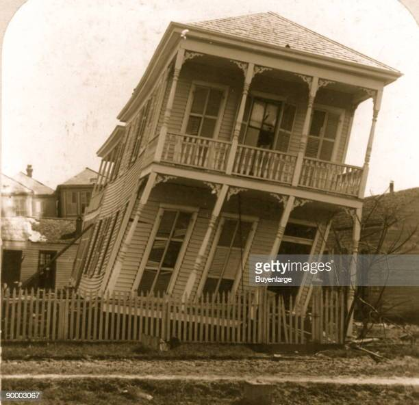 The Hurricane of 1900 made landfall on the city of Galveston Texas on September 8 1900 It had estimated winds of 135 mph at landfall making it a...