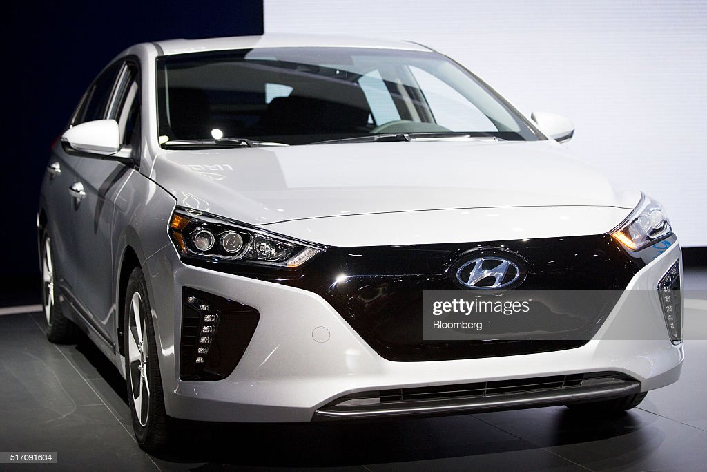 Inside the 2016 new york international auto show getty for Hyundai motor finance usa