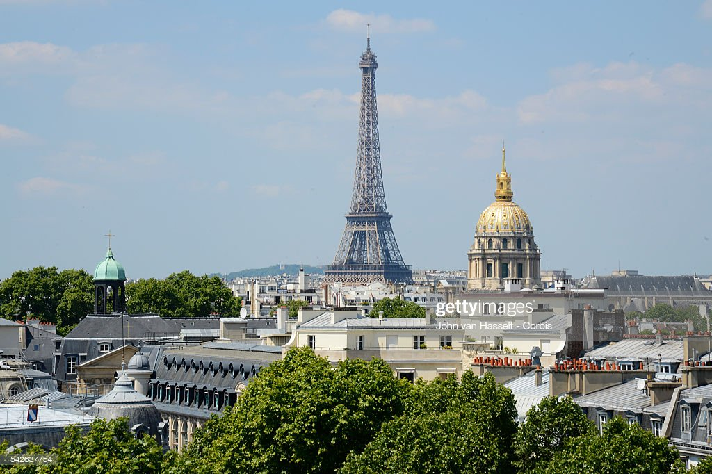 The iconic luxury hotel lutetia built in 1910 on the rive gauche of pictur - Renovation hotel lutetia ...