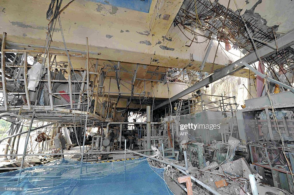 The inside of the No. 4 reactor building is seen at Tokyo Electric Power Co.'s (Tepco) Fukushima Dai-Ichi nuclear power plant in Okuma Town, Fukushima Prefecture on May 26, 2012. Japan may look to generating 15 percent of its electricity needs from nuclear power, a minister said, as the country seeks to rebalance its energy supply after the Fukushima disaster. JAPAN OUT AFP PHOTO / Toshiaki Shimizu / JAPAN