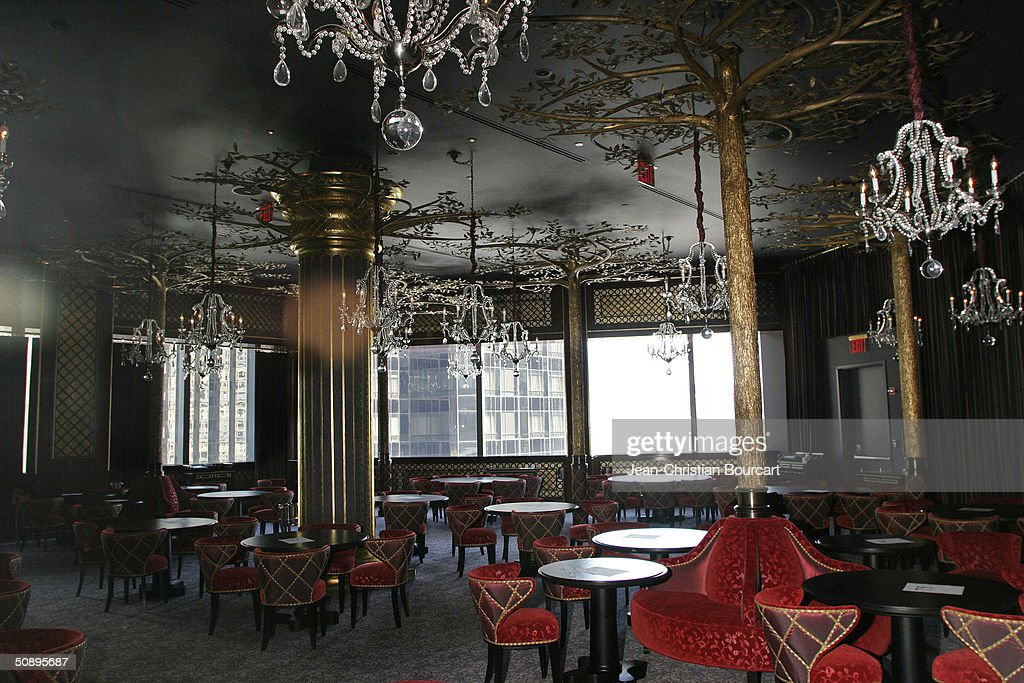 The interior of Jean-Georges Steakhouse in of the new Time Warner Building in Columbus Circle is seen April 29, 2004 in the Manhattan borough of New York City. The building houses many businesses including the Time Warner World Headquarters, CNN offices, Five Star Mandarin Oriental Hotel, One Central Park Luxury Residences, restaurants and mall type shopping stores.