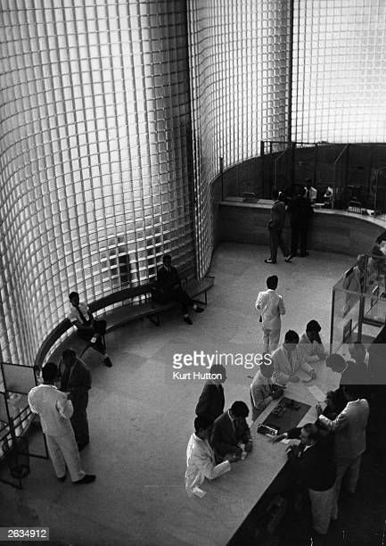 The interior of the Boa Vista Bank in Rio De Janeiro designed by Oscar Niemeyer with extensive use of glass for added strength and light Original...