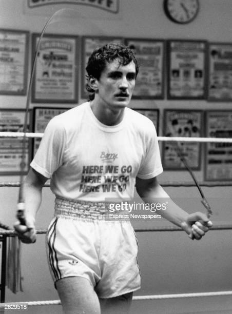 The Irish boxer Barry McGuigan in training Original Publication People Disc HU0448