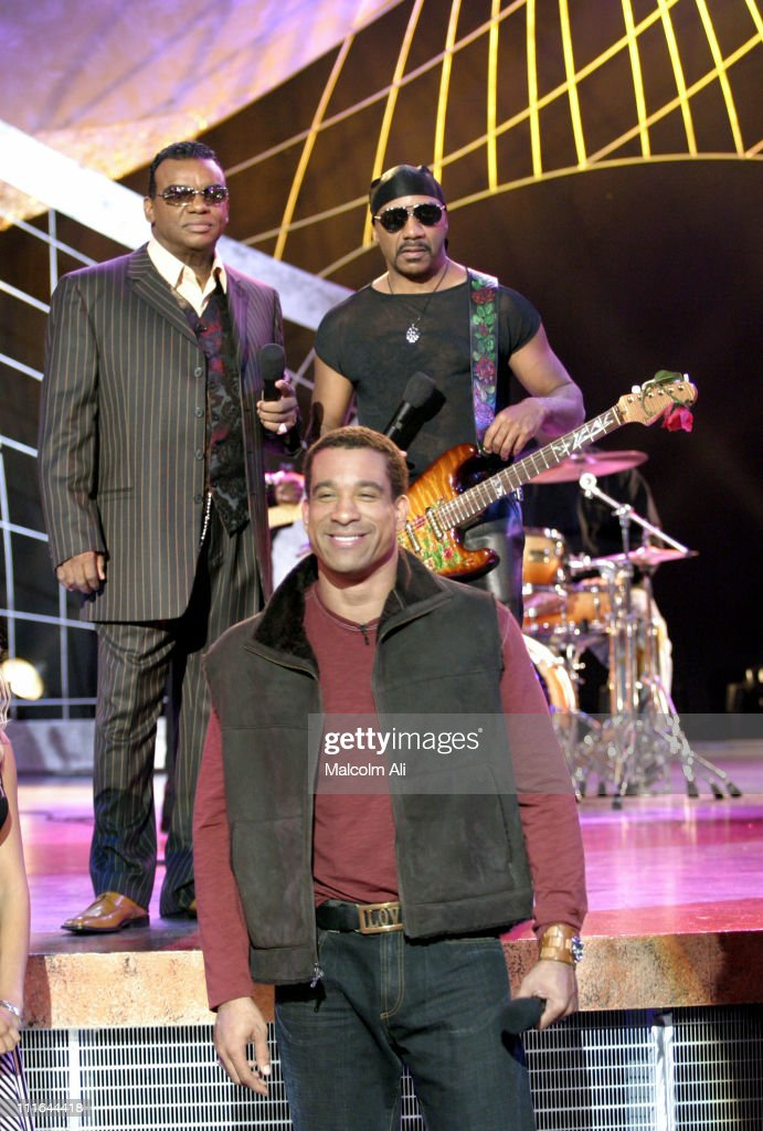 Isley Brothers Perform on Soul Train - October 12, 2003