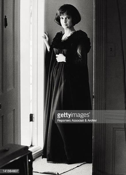 The Italian actress Gina Lollobrigida posing for a photo session 1964