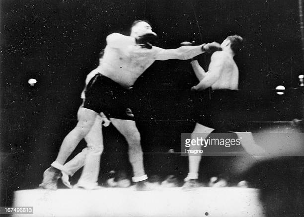 The Italian boxer and 1933/34 world heavyweight champion Primo Carnera in his fight with the USamerican boxer Tommy Loughran in Miami Beach which...