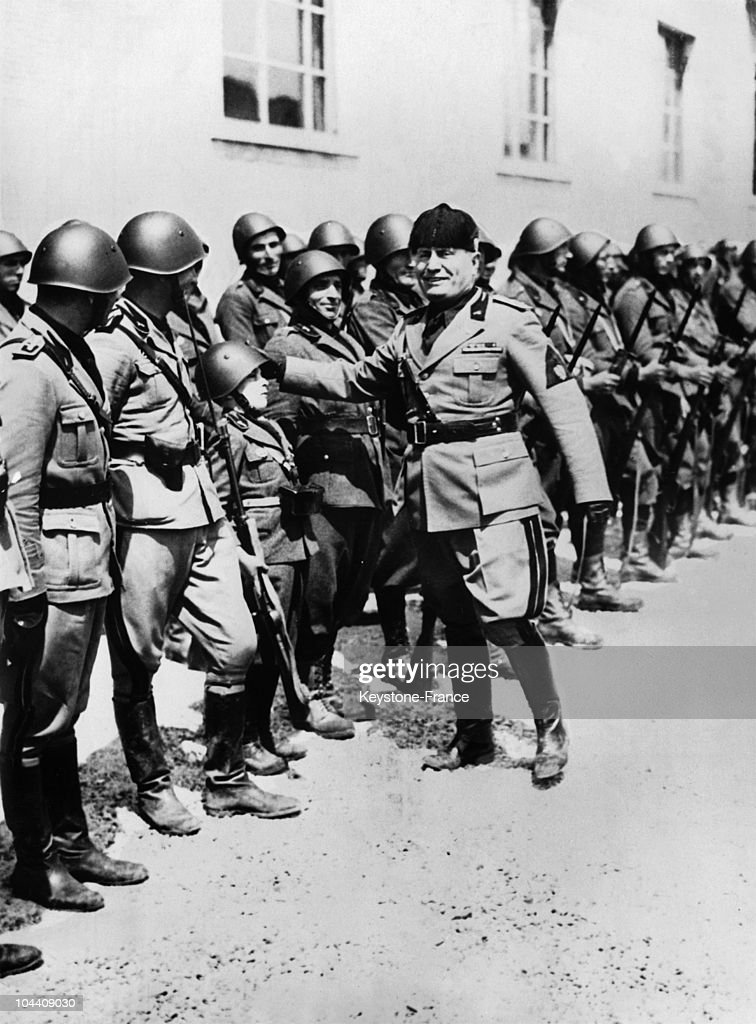 Mussolini And A Regiment Of Black Shirts In 1936 Pictures | Getty ...