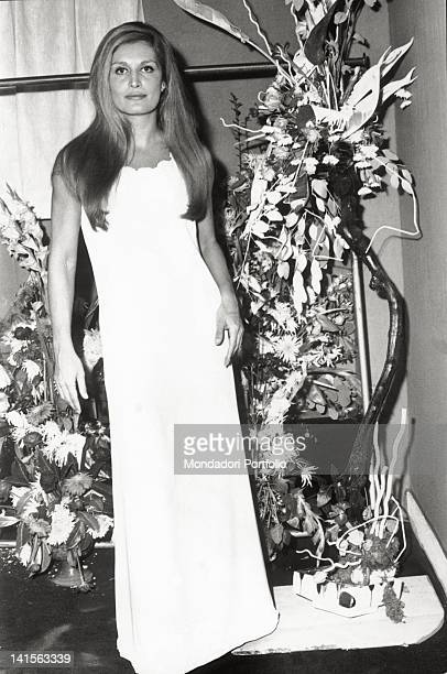 The Italian singer naturalized French Dalida at the Olympia Theatre Paris 1971