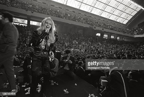The Italian singer Patty Pravo performing at Palalido in Milan during a concert in support of Luigi Granelli leader of the Christian Democratic Left...