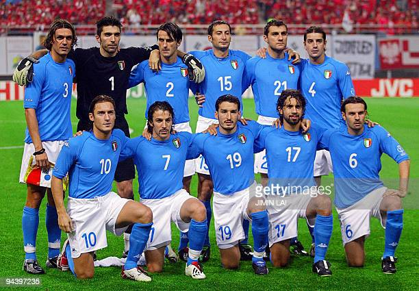 The Italian team pose ahead of their second round match against South Korea at the 2002 FIFA World Cup Korea/Japan in Daejeon 18 June 2002 The winner...