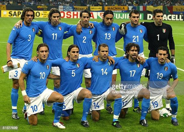 The Italian team poses before match 11 group G of the 2002 FIFA World Cup Korea Japan opposing Italy and Ecuador in Sapporo Japan 03 June 2002 Paolo...