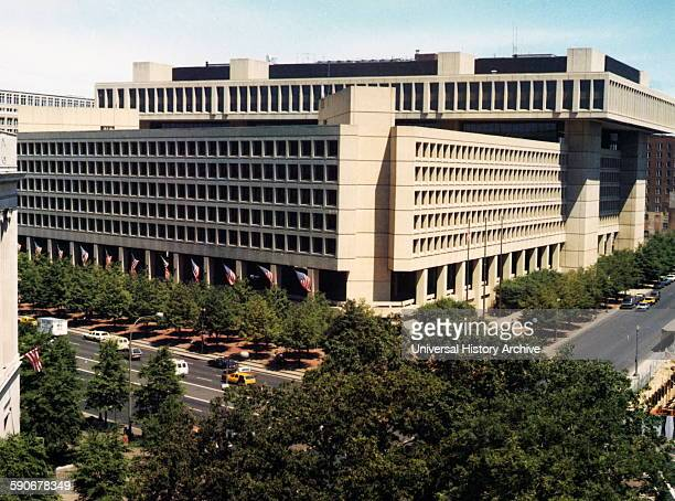 The J Edgar Hoover Building is a highrise office building located at 935 Pennsylvania Avenue NW in Washington DC in the United States It is the...