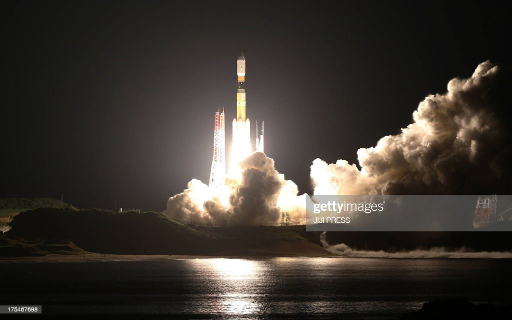 The Japanese cargo-carrying rocket, H-2B, lifts off from the launch pad of the southern island of Tanegashima on August 4, 2013. Japan launched a cargo-carrying rocket loaded with supplies for the crew of the International Space Station, along with a small robot meant as a companion for one of the country's astronauts. JAPAN OUT AFP PHOTO / JIJI PRESS