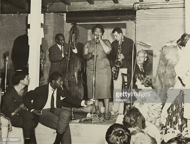 The jazz singer Ella Fitzgerald and saxophonist Hans Koller as guest at Fatty George in Vienna 'Tabarin' About 1960 Autograph titled 175 228 cm...