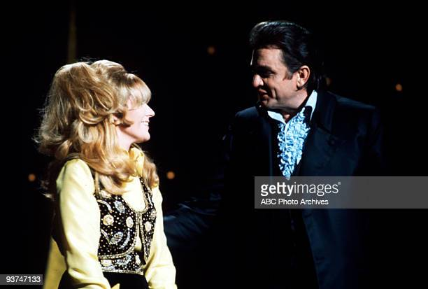 CASH 'The Johnny Cash Show' 1/28/70 Guest Dusty Springfield and Johnny Cash