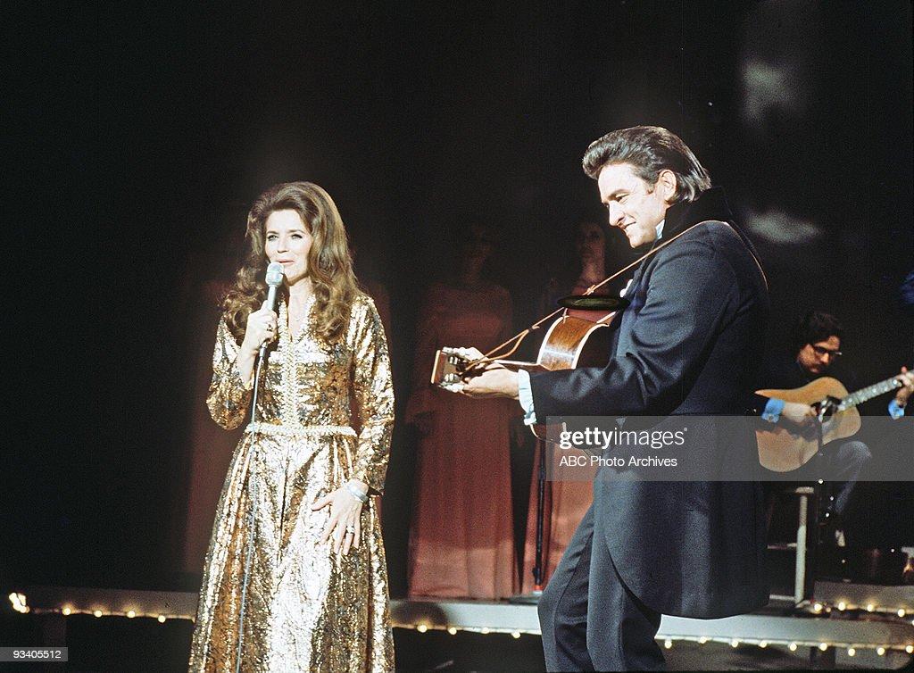 CASH - 'The Johnny Cash Show' - 2/26/71, June Carter Cash, Johnny Cash,