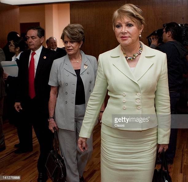 The journalist Lolita Ayala during the signature of advance directive in the College of Notaries on March 13 2012 in Mexico City Mexico