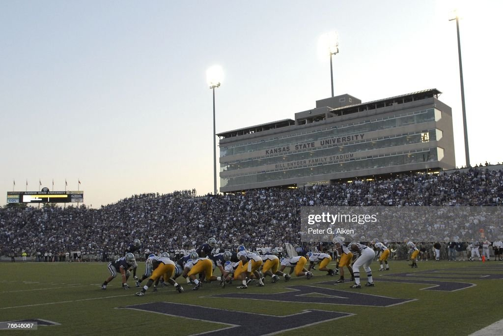 The Kansas State Wildcats line up at the San Jose State Spartans oneyard line during a NCAA football game on September 8 2007 at Bill Snyder Family...