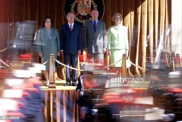 The king of Spain Juan Carlos his wife queen Sofia and their guests Chilean President Ricardo Lagos and his wife luisa Duran watch the Royal Guard...